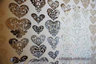 Дизайн стен для номера в белых тонах одного из самых дорогих отелей мира Maison Moschino Hotel Milan