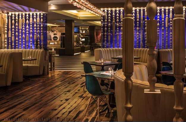 Дизайн перегородок в интерьере отеля в стиле американского ретро