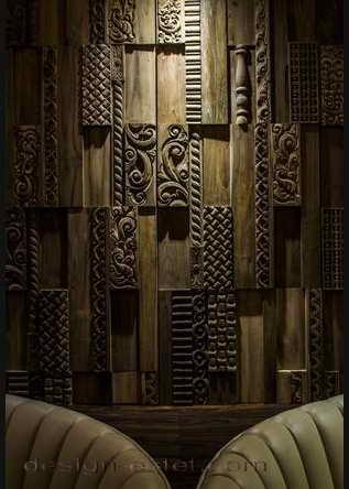 Дизайн резных панелей из дерева в интерьере ресторана отеля в американском стиле ретро