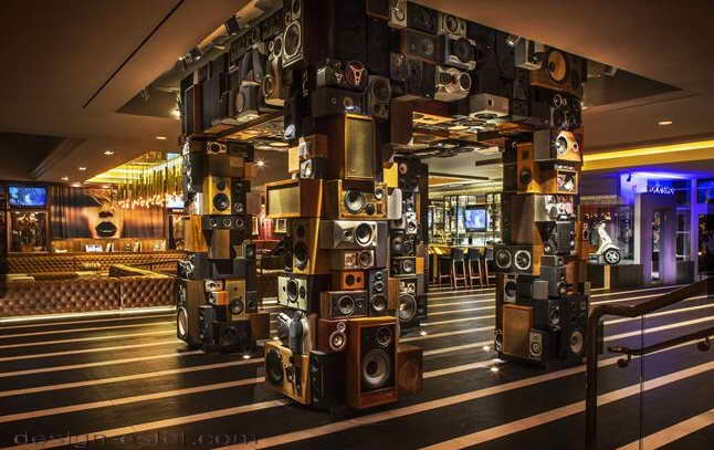Дизайн декора в интерьере отеля в стиле американского ретро