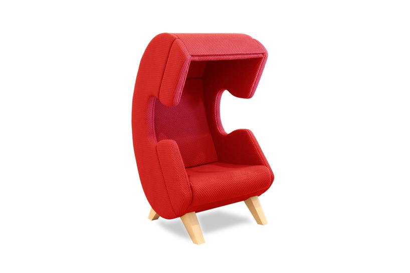 Дизайнерская мягкая мебель - красное кресло из ткани