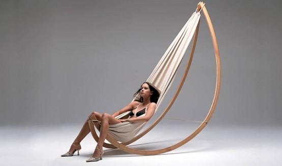 Подвесной гамак-кресло на деревянной раме для дома