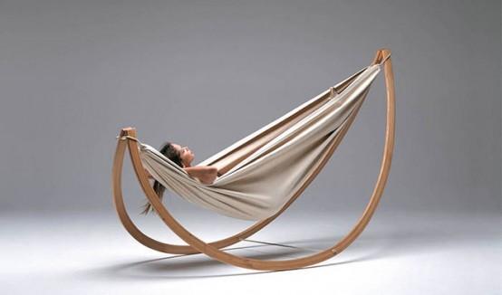 Подвесной гамак-кровать на деревянной раме для дома