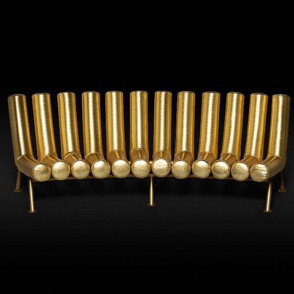 Итальянская мебель - золотой диван в стиле поп-арт 70-х годов