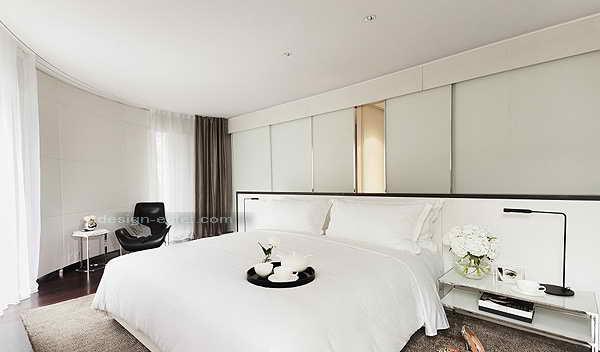 Дизайн интерьера номера в белых тонах в роскошном отеле ME London