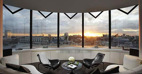 Дизайн мягкой мебели в интерьере номера в роскошном отеле ME London