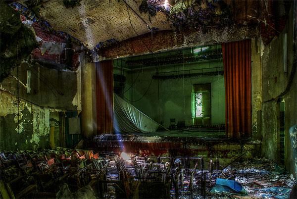 Фото заброшенных театров - самые красивые покинутые места в мире
