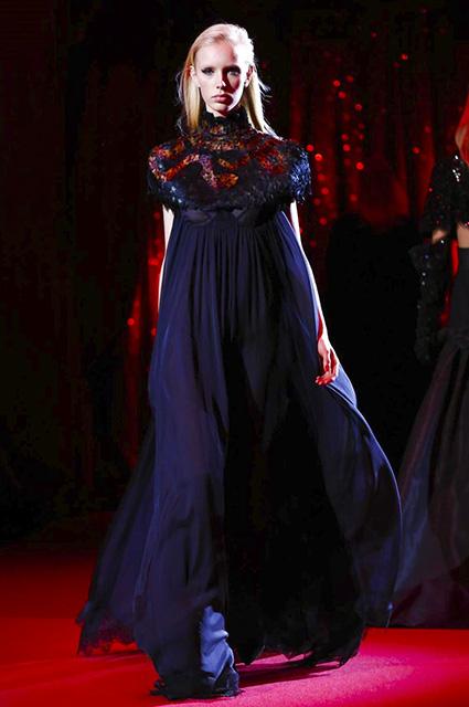 Коллекция платьев от Ульяны Сергеенко - показ Высокой моды в Париже 2017 года