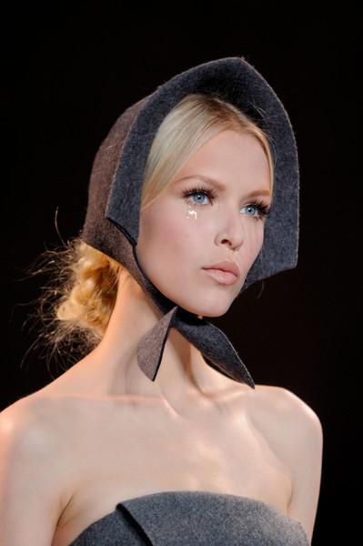 Коллекция платьев от Ульяны Сергеенко - аксессуары и головные уборы