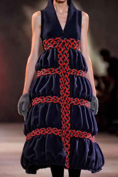 Коллекция платьев от Ульяны Сергеенко - фасоны в красно-синей гамме