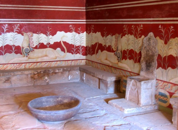 Тронный зал Кносского дворца на Крите
