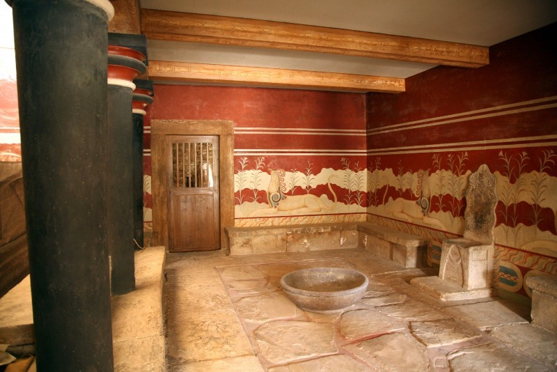 Трон Миноса Кносского дворца на Крите
