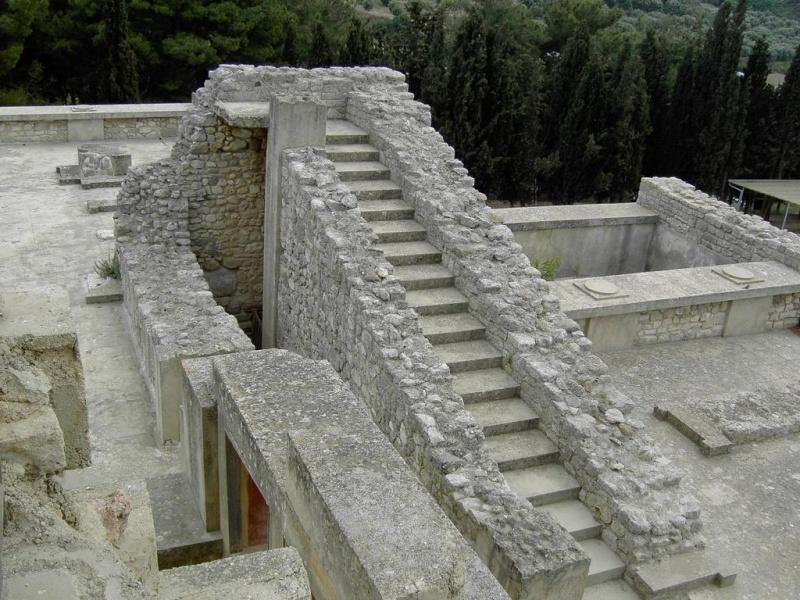 Шедевр Крито-Микенской культуры - Кносский дворец на Крите