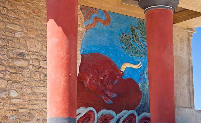 Фреска Царь бык в Кносском дворце на Крите