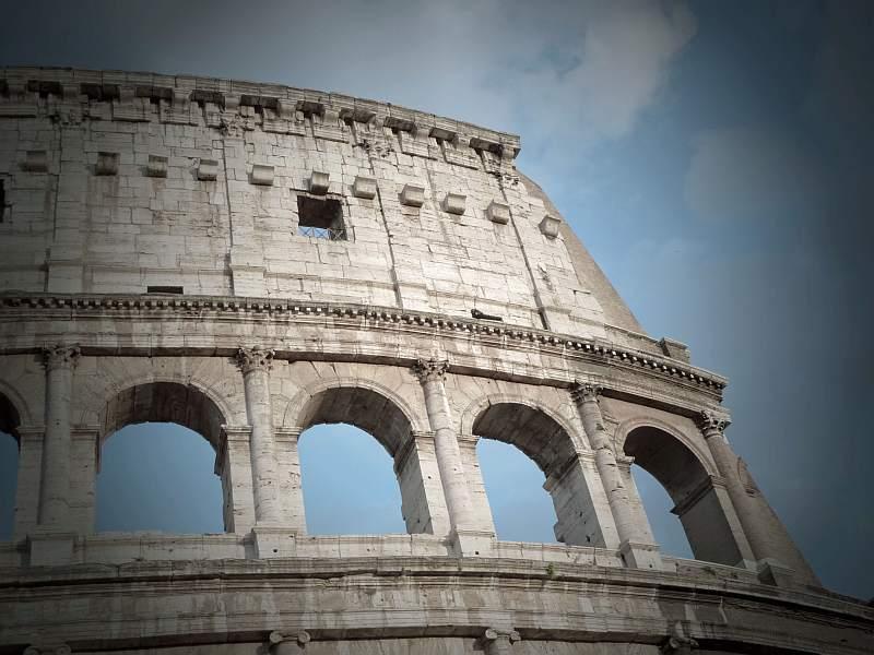 Современные фото Древнего Колизея в Риме