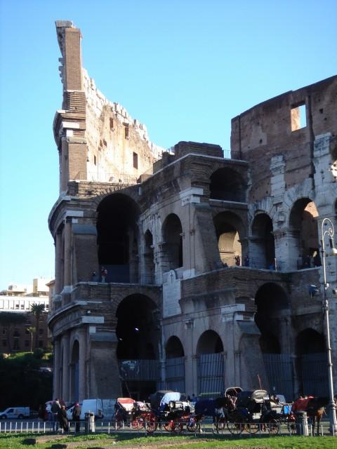 Фото Древнего Колизея в Риме, Италия