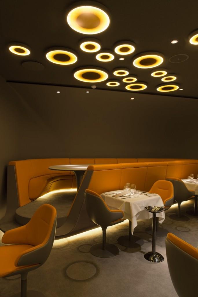 Современный стиль в дизайне мебели ресторана в Париже