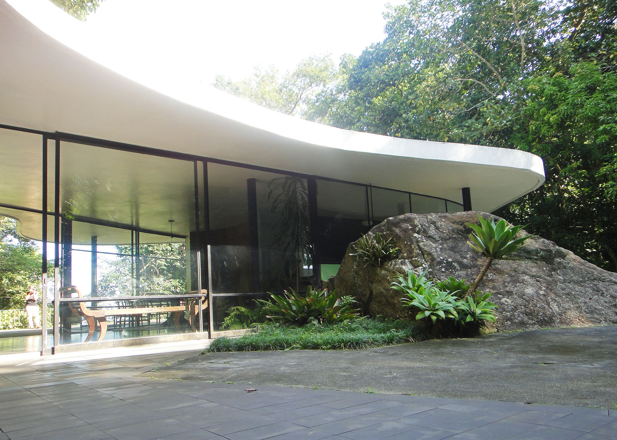 Дом бразильского архитектора Оскара Нимейера