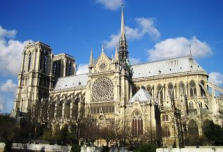 Кафедральный собор Нотр Дам де Пари во Франции