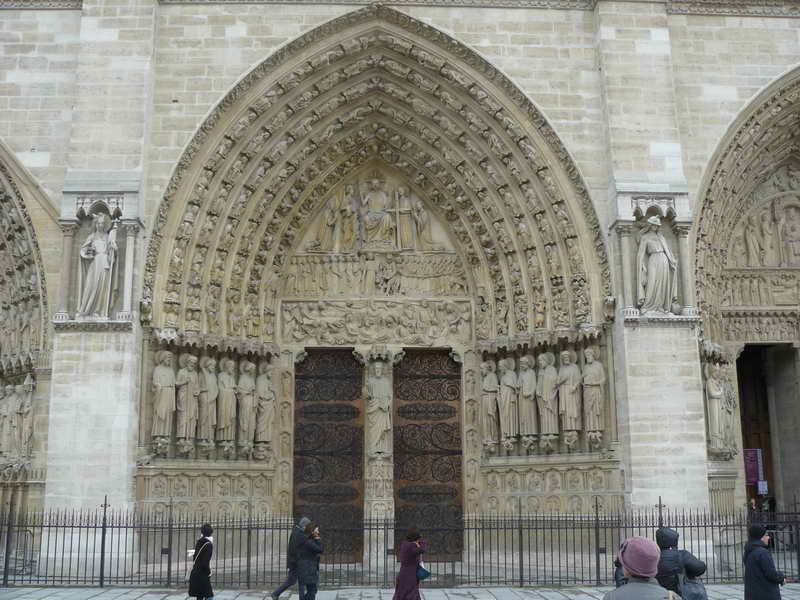 Входная группа собора Парижской Богоматери