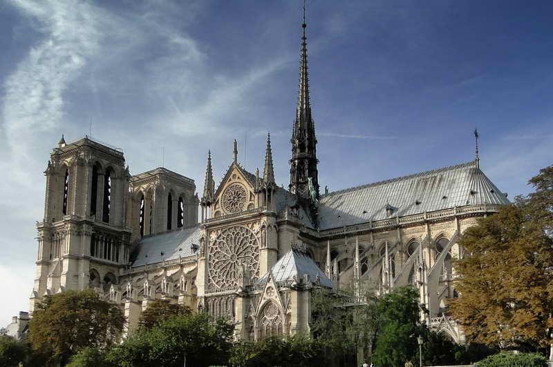 Готический стиль в архитектуре собора Нотр Дам де Пари