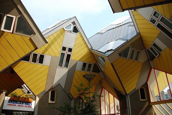 Самые необычные здания мира - кубический дом в Роттердаме