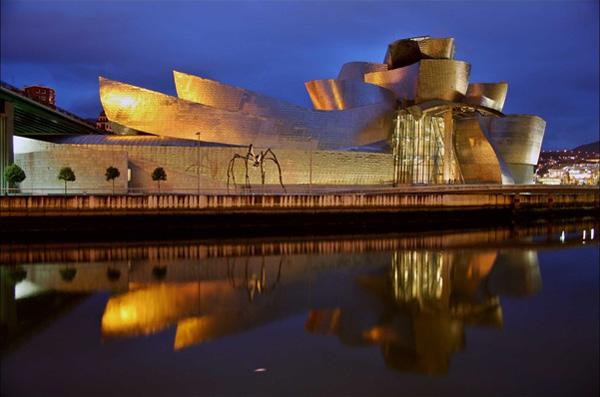 Самые необычные здания мира - музей Гуггенхайма в Бильбао