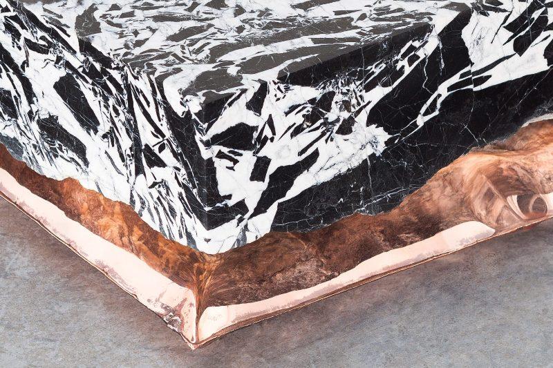 Мрамор и медь в дизайне журнальных и кофейных столов с каменной столешницей
