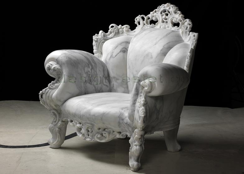 Мраморное кресло Пруст в стиле барокко - работа Алессандро Мендини
